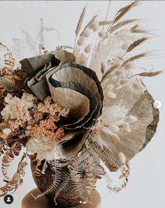 our wedding ideas Dried Flower Bouquet, Dried Flowers, Wedding Flower Inspiration, Wedding Flowers, Floral Style, Floral Design, Grass Decor, Flower Bar, Flower Installation