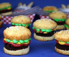 The 18 Craziest Cupcake Designs @elsa ramos