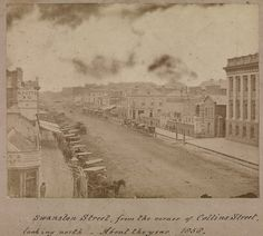 Swanston Street Melbourne Victoria c. 1858 (Property of State Library Victoria) Australia Tourism, Australia Day, Victoria Australia, Melbourne Australia, Melbourne Architecture, Melbourne Suburbs, Melbourne Victoria, Historical Pictures, Old Photos