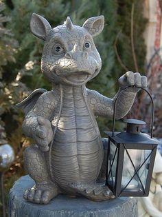 Gartenfigur Drache mit Laterne für Teelicht Figur Frostfest NEU in Garten & Terrasse, Dekoration, Gartenfiguren & -skulpturen | eBay