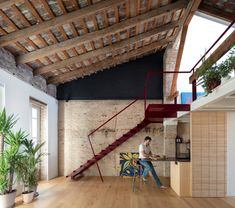 Image 1 of 19 from gallery of De la Conserva House / Jose Costa. Photograph by Milena Villalba Lofts, Winter Living Room, Log Home Interiors, Shop Interiors, Loft Office, Loft House, Tiny House, Interior Stairs, Brickwork