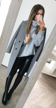 70 Winter Outfits Ideas for Women Casual and Sexy Look Fashion is all about consistency. Just because it is winter does not mean that you wear outdated clothes. Winter Fashion Outfits, Fall Winter Outfits, Look Fashion, Autumn Fashion, Womens Fashion, Casual Winter, Casual Summer, Teen Fashion, Fashion Ideas