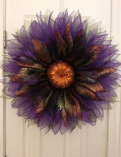 Easy Fall Wreaths, Halloween Wreaths, How To Make Wreaths, Holiday Wreaths, Wreath Crafts, Wreath Ideas, Diy Wreath, Ornament Wreath, Wreaths And Garlands