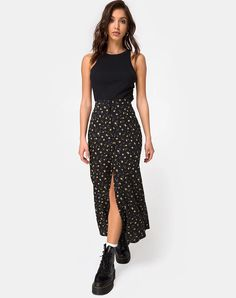 Floral Skirt Outfits, Black Skirt Outfits, Midi Skirt Floral, Outfit With Skirt, Black Floral Skirt, Black Midi Skirt, Floral Style, Mode Outfits, Girl Outfits