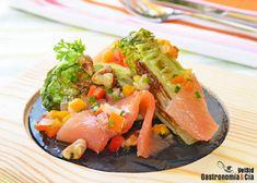Cogollos a la plancha con salmón ahumado y vinagreta de pimientos