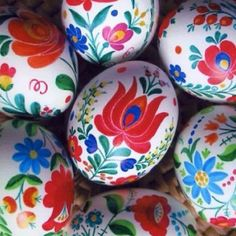 Easter Eggs decorated with Hungarian Kalocsai Folk-Art (81 pieces)