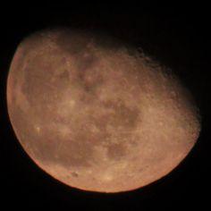 provocative-planet-pics-please.tumblr.com No podría explicar por que me gusta tanto tal vez es su figura sus faces cada cambio y como logra hacer que muchas veces lo que la tiene de fondo le de mas presencia pero sin duda yo la amo amo a la luna!! Luna menguante de hoy al 80% de visibilidad 26/04/2016 @mexico_maravilloso @igersmexico @descubriendoigers @astralshot @astronomia @sky_captures @celestronuniverse #lunamenguante #igcdmx #moon #luna #26042016 #planets #nature #naturaleza…