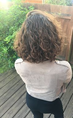 80 Bob Hairstyles To Give You All The Short Hair Inspiration - Hairstyles Trends Bob Haircut Curly, Curly Hair Cuts, Short Curly Hair, Wavy Hair, Short Hair Cuts, New Hair, Curly Hair Styles, Haircut Short, Midlength Curly Hair