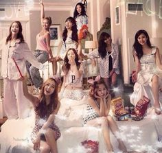 Absolutely they're queens 👑✨ Yoona, Snsd, Sooyoung, Girls Generation, Girls' Generation Taeyeon, J Pop, Kpop Girl Groups, Korean Girl Groups, Kpop Girls