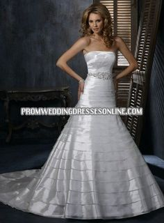 I like the tiered look of this dress