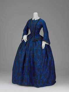 Day dress (image 1) | American | early 1850s | silk | Museum of Fine Arts, Boston | Accession #: 2002.697.1-2