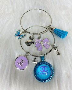 Charm Bracelets For Girls, Arm Candy Bracelets, Bangle Bracelets With Charms, Jewelry Case, Heart Jewelry, Cute Jewelry, Grunge Jewelry, Custom Charms, Luxury Jewelry