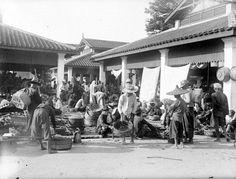 Markt te Medan, Deliserdang, Sumatra. Unknown date Medan, Indie, Fair Grounds, Street View, Travel, Viajes, Destinations, Traveling, Trips