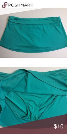JUST IN! NWT chaps squa swim skirt Brand new chaps aqua swim skirt  10 inches in length Chaps Swim Bikinis