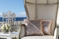 Let's add some glitter to that special day! Event Design, Special Day, Wedding Details, Wedding Styles, Wedding Decorations, Chandelier, Sequins, Glitter, Throw Pillows