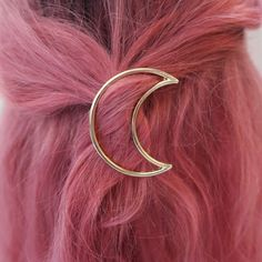✩ Silver/Gold moon hair pin ☽  . 3.7 cm x 6.3 cm. . Looks great with any hair length