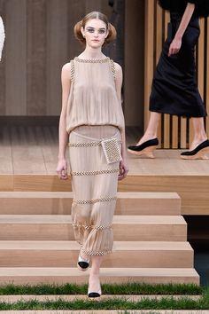 Todas las imágenes del nuevo desfile de Karl Lagerfeld para Chanel: Alta Costura primavera-verano 2016.