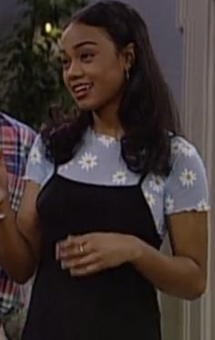 Ashley Banks (The Fresh Prince of Bel Air). 1990 Style, Style Année 90, Looks Style, Retro Style, Black Girl Aesthetic, Aesthetic Fashion, Aesthetic Clothes, 90s Aesthetic, Ashley Banks Outfits