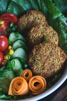 In this recipe, you're about to discover the legit way of making falafel. A healthy, oven-baked version. Topped with an easy-to-make vegan cashew cheese sauce. When combined with lots of different veggies, it all forms into a heavenly delicious and satisfying falafel bowl. Oh, yes.I've been...