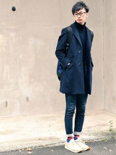 Black turtleneck, some sort of peacoat or toggle coat? Asian Men Fashion, Mens Fashion, Style Fashion, Fashion Ideas, Black Turtleneck Outfit, Cool Outfits, Casual Outfits, Winter Outfits Men, Black Men