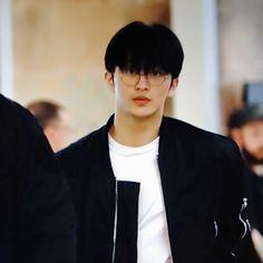 """he's nerdy, and he's hot. Mark Lee, D Mark, Lee Taeyong, Na Jaemin, Kpop Boy, My Favorite Music, Boyfriend Material, Jaehyun, Nct Dream"