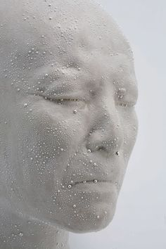 Kondo Takahiro - Self Portrait / Mist. Kondo Takahiro - Self Portrait / Mist Born in 1958 in Japan- Art Crafts Sculptures Céramiques, Sculpture Art, Ceramic Sculptures, Ceramic Figures, Ceramic Art, Contemporary Sculpture, Contemporary Art, Japan Art, Oeuvre D'art