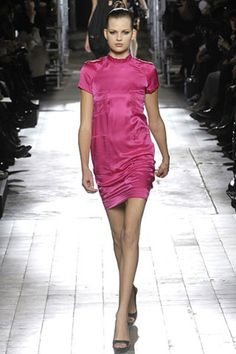 See the complete Lanvin Spring 2007 Ready-to-Wear collection.