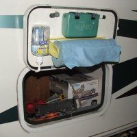 Truck camper or RV clean up station, this is so simple yet so smart. - Camping - Truck camper or RV clean up station, this is so simple yet so smart. – Camping Truck camper or RV clean up station this is so simple yet so smart. Travel Trailer Organization, Rv Organization, Organizing Ideas, Aliner Campers, Rv Campers, Camping Bedarf, Camping Hacks, Rv Hacks, Camping Checklist