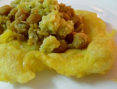 Doubles - trini street food    http://nevisblog.com/category/nevisrecipes