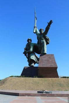 Памятник Солдату и Матросу в Севастополе / Soldier and Sailor Memorial, Sevastopol, Crimea.