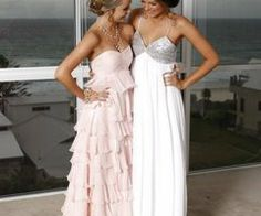 Cutesy !! Could totally see my 15yr old god daughter wearing this dress for prom !!