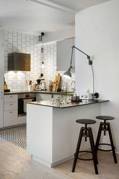 kitchen goals der k che ihres neuen zuhauses hat westwing gr nderin delia fischer ein elgenates. Black Bedroom Furniture Sets. Home Design Ideas