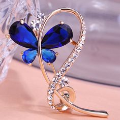 18K Gold Ouro Large Rhinestone Brooches Sparkling Butterfly Insects Wedding Blue Green Luxury Hijab Pins Up Scarf Clips Mix Lots