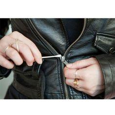 Cremalleras trabadas: Para arreglar la cremallera atascada de tu chaqueta, utiliza bastoncillos y un poquito de vaselina. Verás cómo conseguirás destrabarla.