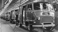 Renault launched the Estafette, its first front-wheel-drive vehicle, in 1959. Half of the vehicles produced were exported, primarily to the USA.