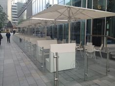 The MDT Titan is ideal for creating outside rooms at more commercial sites. By joining a number of umbrellas together you can almost double the seating capacity of a restaurant.