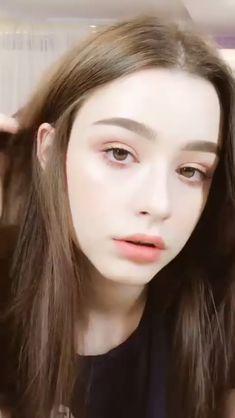 Beautiful Girl Wallpaper, Beautiful Girl Image, Beautiful Asian Girls, Cute Young Girl, Cute Girls, Cool Girl, Plain Girl, Girl Iphone Wallpaper, Cute Selfie Ideas
