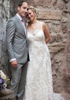 robe de mariage romantique en dentelle de salais et satin de soie #creationsurmesure #mariage #mariee #haute-couture #paris #createur #robedemarieeunique