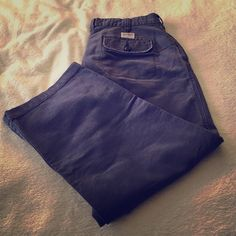 Abercrombie & Fitch Dark Blue Wide Leg Capri Abercrombie & Fitch Dark Blue Wide Leg Capri Pant. Abercrombie & Fitch Pants Capris