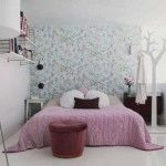 Beautiful Modern Small Bedroom Design Ideas with Floral Wallpaper
