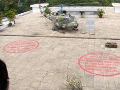Taket på presidentpalatset där de 2 bomberna träffade.