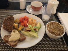 Desayuno vegano, más de 4 colores y 3 fuentes de proteínas vegetales para reemplazar la animal