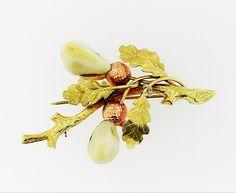 Another fall Favourite! Vintage Oak Leaf Brooch #oakleaf #bringbackthebrooch