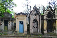 Visiting The Père Lachaise Cemetery