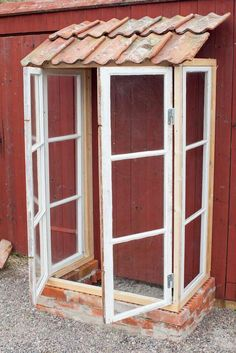 Build small greenhouses from old windows step by step – garden tools … - Modern Garden Projects, Garden Tools, Dream Garden, Home And Garden, Garden Wallpaper, Mini Greenhouse, Old Window Greenhouse, Garden Drawing, Old Windows