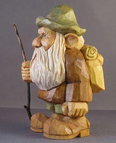 Holzschnitzerei Wanderer Rucksack nordic statue von cjsolberg