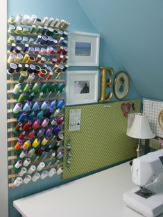 thread storage - as long as the little dowels were long enough to hold a bobbin with the spool this would work well Sewing Spaces, My Sewing Room, Sewing Rooms, Sewing Closet, Sewing Kit, Thread Storage, Sewing Room Organization, Coin Couture, Crib Spring