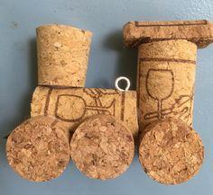 Wine cork Christmas ornament, DIY, Train Engine Wine Cork Art, Wine Cork Crafts, Wine Corks, Wine Cork Ornaments, Diy Christmas Ornaments, Christmas Crafts, Cork Garland, Train Ornament, Wine Cork Projects