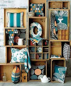 put fabric on the bottom of wooden crate vignettes. Craft Fair Displays, Shop Window Displays, Store Displays, Display Design, Store Design, Display Ideas, Fabric Display, Craft Stalls, Shop Layout