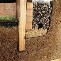 DIY Front Yard Retaining Wall Ideas - Enjoy Your Time - This tutorial is made for beginners curious about building stone retaining walls, 3 feet in elevati - Retaining Wall Fence, Sleeper Retaining Wall, Backyard Retaining Walls, Building A Retaining Wall, Building Stone, Concrete Patio, Retaining Wall Drainage, Concrete Block Retaining Wall, Retaining Wall Construction